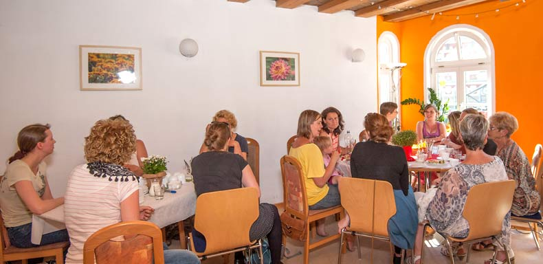 Die Erzählcafé-Aktion am 1. Juli 2015 im Familienzentrum in Erfurt