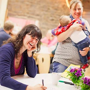 Mütter im Erzählcafé